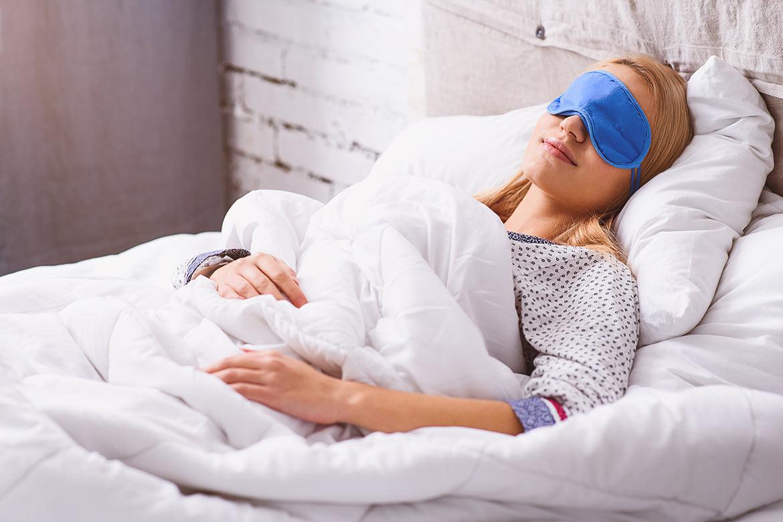dormire-con-la-mascherina