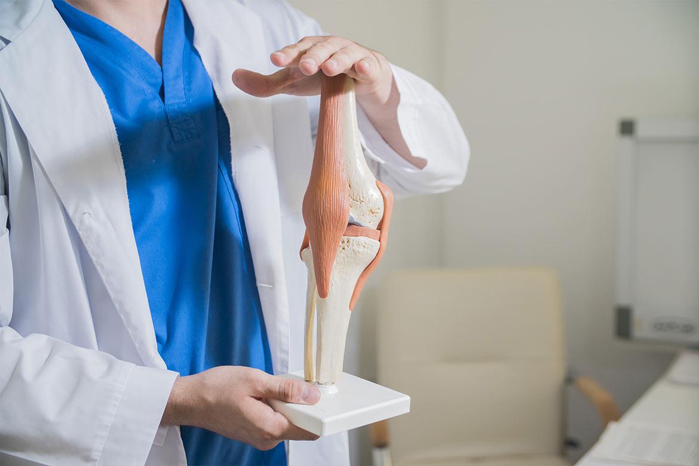 dolore dietro al ginocchio rimedi
