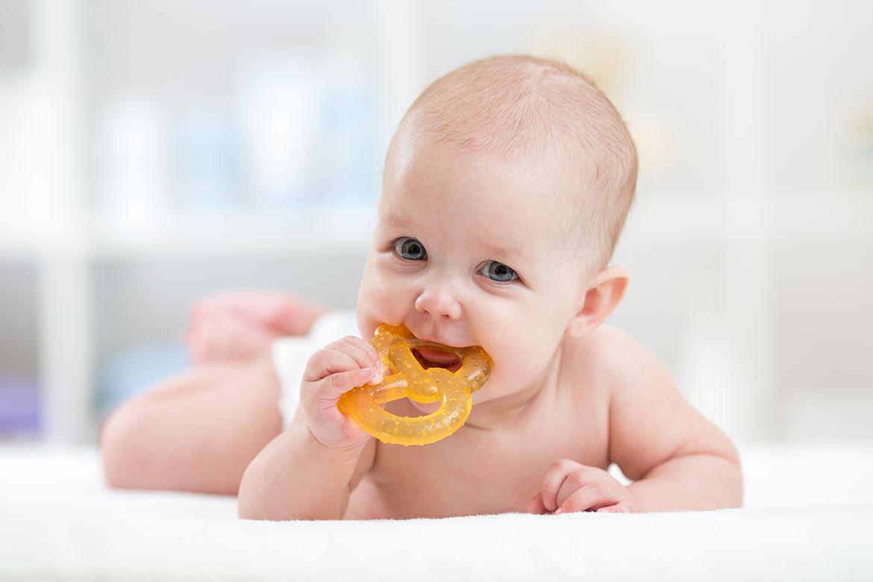 dentizione neonato e disturbi del sonno