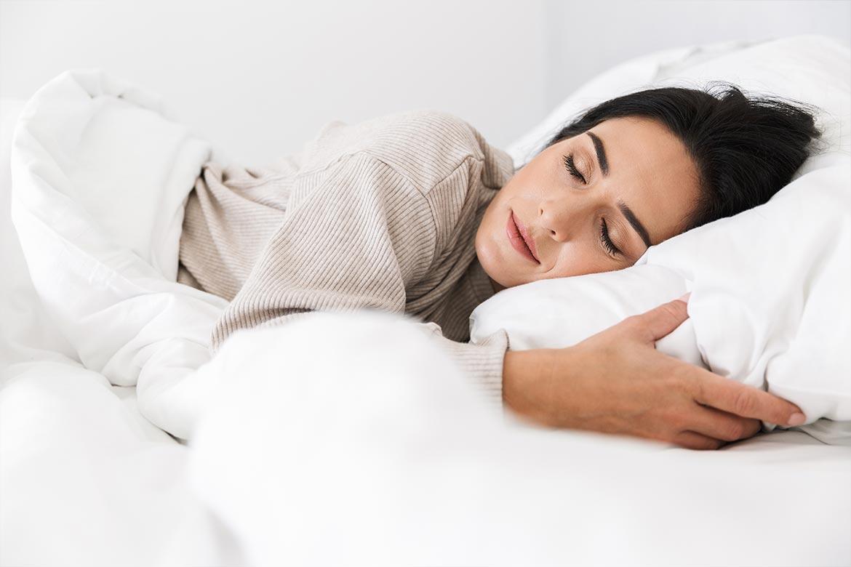 si-puo-dormire-con-le-lenti-a-contatto