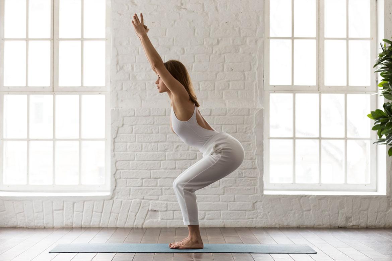 yoga-a-casa-posizione-sedia