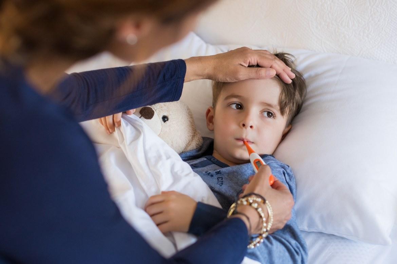 cosa-fare-quando-i-bambini-hanno-la-febbre