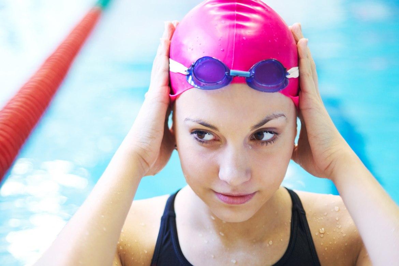 occhi-rossi-in-piscina